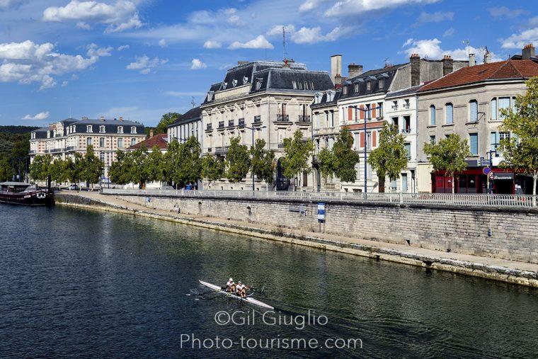 Les bords de la Meuse dans le centre de Verdun