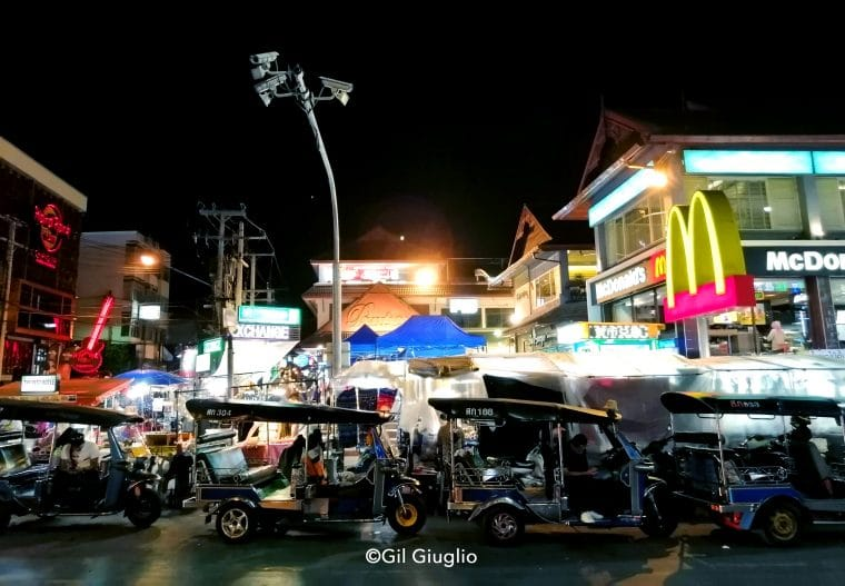 Marché de nuit à Chiang Maï