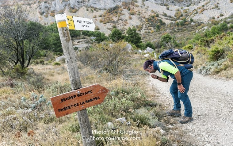 Guide sur sentier botanique de la. Costa Bianca