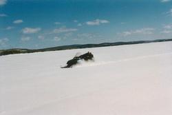 Lac gelé dans le Grand nord
