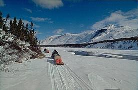 Motoneige dans le Grand Nord