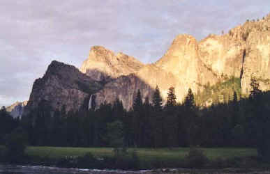 yosemite_valley.jpg (24290 octets)