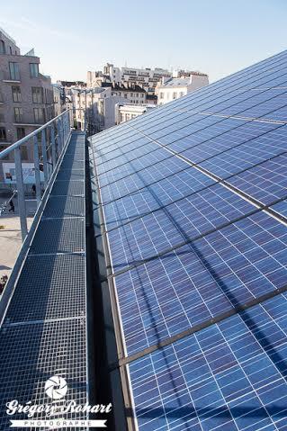 Panneaux photovoltaïques sur le toit de l'auberge Y.Robert