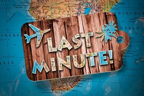 prendre un vol à la dernière minute : Fotolia 33949930 S ferkelraggae