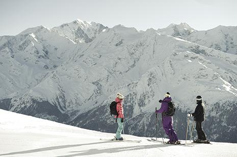 Un beau domaine skiable, avec une double exposition, face au Mont-Blanc et aux Dômes de Miage. (Photo Nicolas Joly)