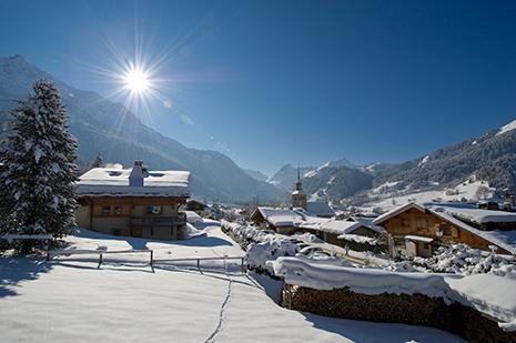 Le village des Contamines a connu la création de son ski-club en 1911, son premier remonte-pente en 1937. (Photo Gilles Lansard)