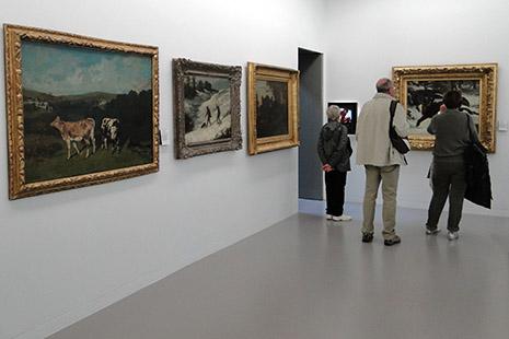 Le musée Eugène Courbet, installé dans l'hôtel particulier de ses parents et les propriétés voisines, donne sur la Loue.