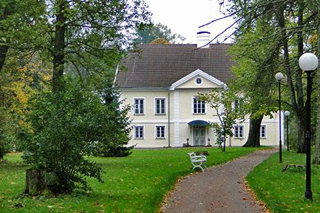 Les manoirs des barons baltes parsèment la campagne. Celui de Vihula, qui a gardé son moulin et sa distillerie de vodka, est devenu un bel hôtel.