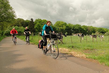 Des itinéraires en pleine campagne sur des petites routes reliant un village à l'autre.