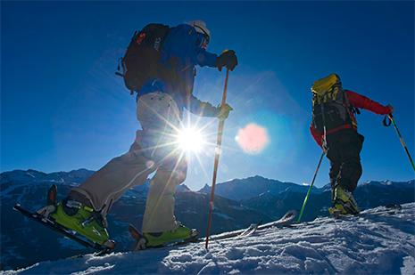La randonnée à ski amène dans des endroits autrement inaccessibles. © Philippe Royer