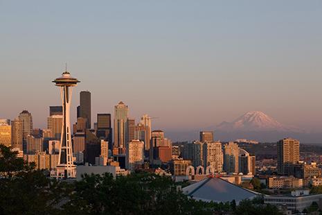 Avec sa silhouette élégante, la « Space Needle » est devenue le symbole de la ville.