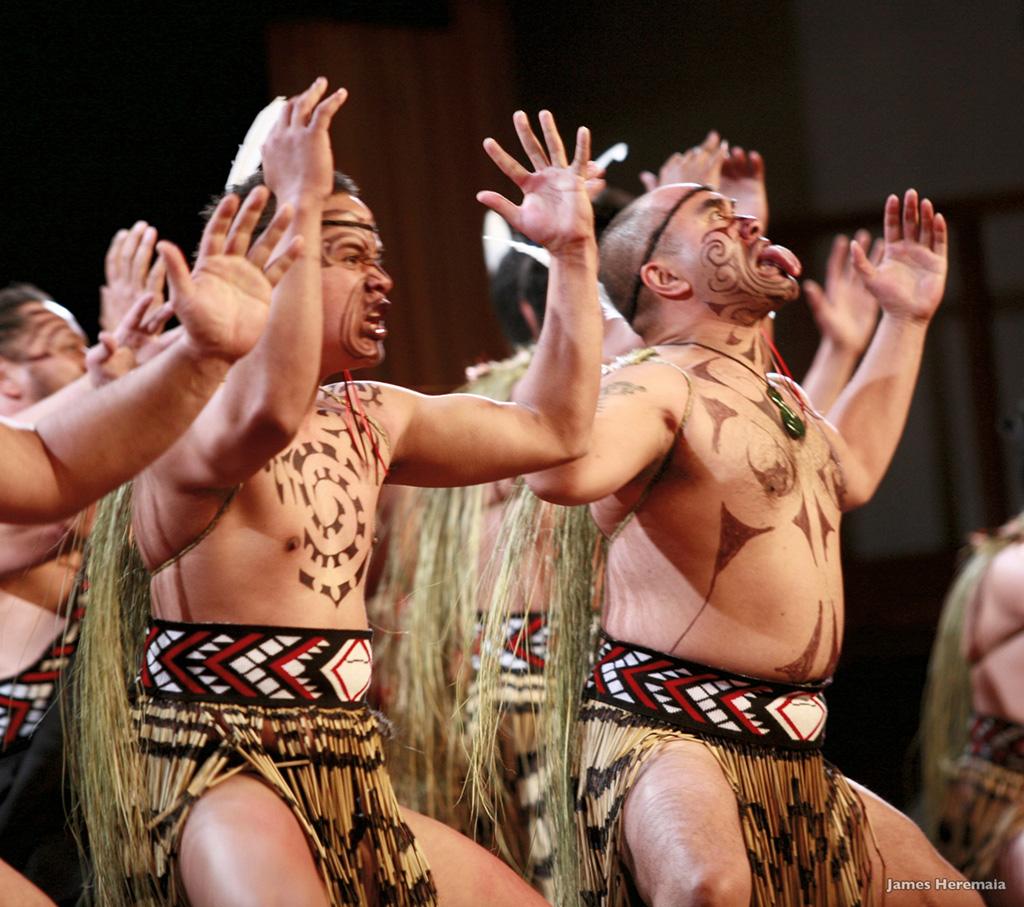 Haka © ames Heremaia - Offıce de Tourısme de Nouvelle-Zélande