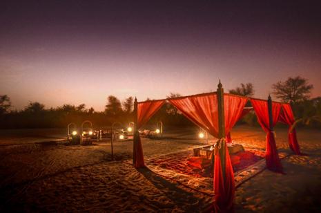 Une nuit toil e dans le d sert avec le safari arabian for Nuit en amoureux