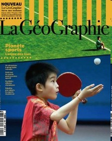 En couverture : stade de Firminy (Loire). Photo : Bruno Amsellem, agence Signatures. Jeune pongiste de l'école des sports de Shichahai à Pékin. Photo : Natalie Behring.