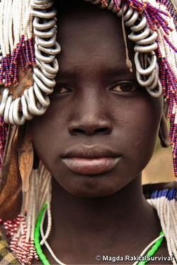 Les Mursi sont l'une des tribus qui seront affectées par le barrage Gibe III © M. Rakita/ Survival