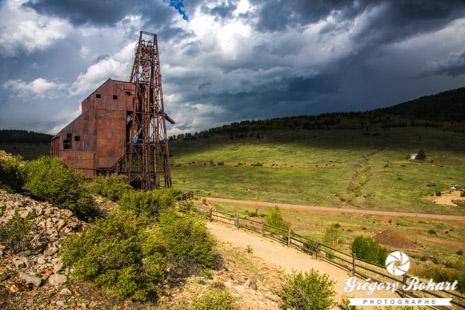 Ancienne mine d'or à l'entrée de Victor