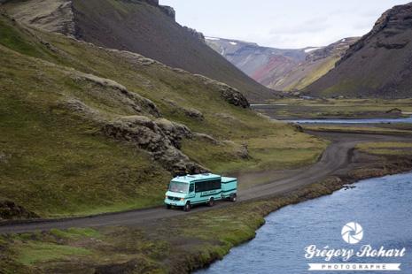Le bus 4x4 sur les pistes des hauts plateaux de l 39 islande - Office de tourisme islande ...