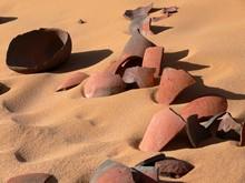 Restes de jarres d'Abu Ballas